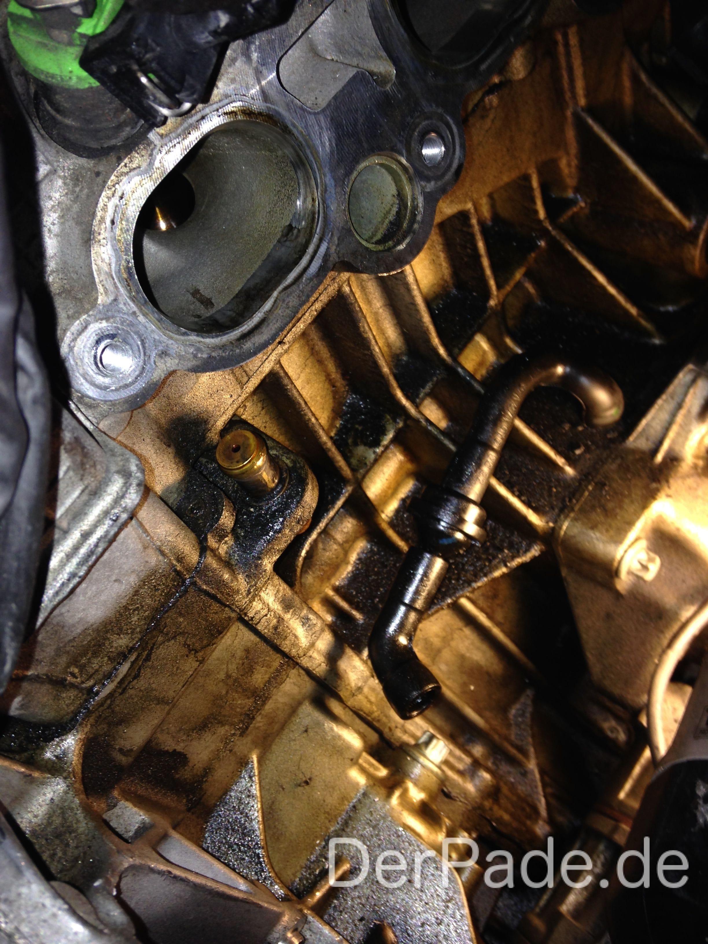 Anleitung: W203 M271 C200 Kompressor Teillastentlüftungsschlauch gerissen Der Pade image 3