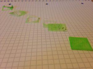 Hinten der erste 3D Druck Versuch und vorne der letzte.