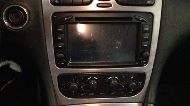 Anleitung mercedes w203 radio ausbauen for Mercedes benz w203 radio