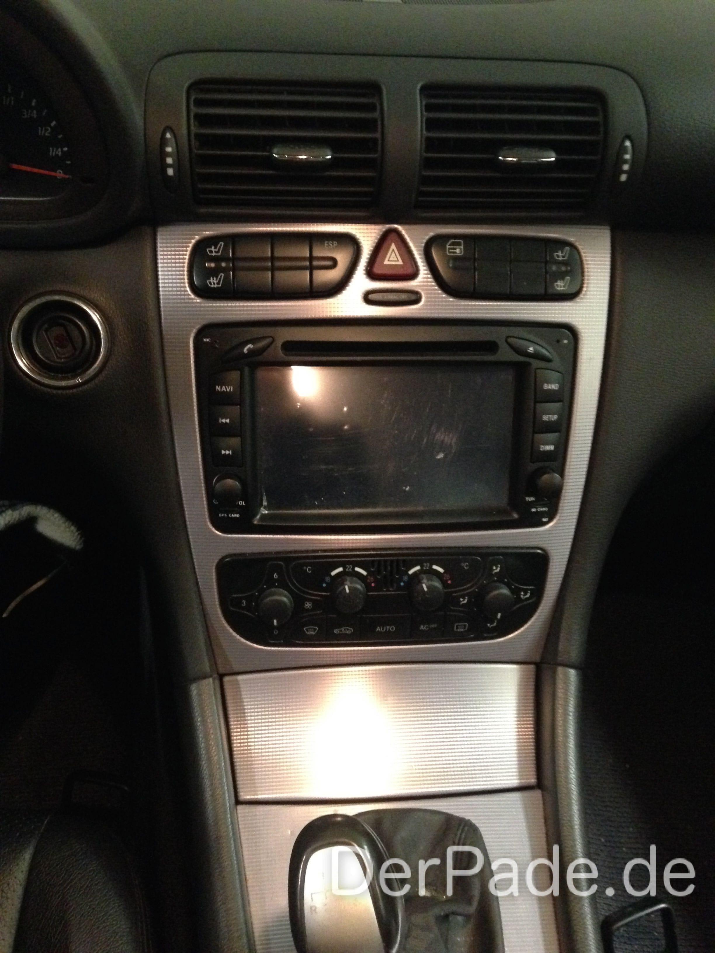 Anleitung: Mercedes W203 Radio ausbauen