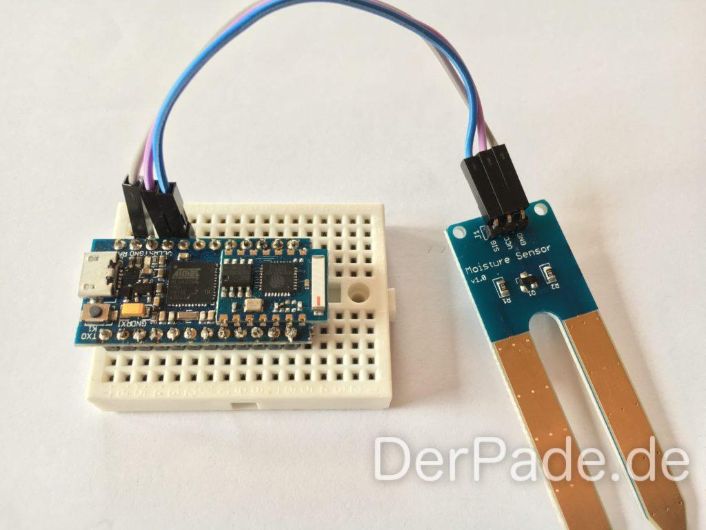 Einfache Verkabelung eines Soil Moistures Sensors an ein Cactus Rev 2 mit einem Atmega32u4 und einem ESP8266.