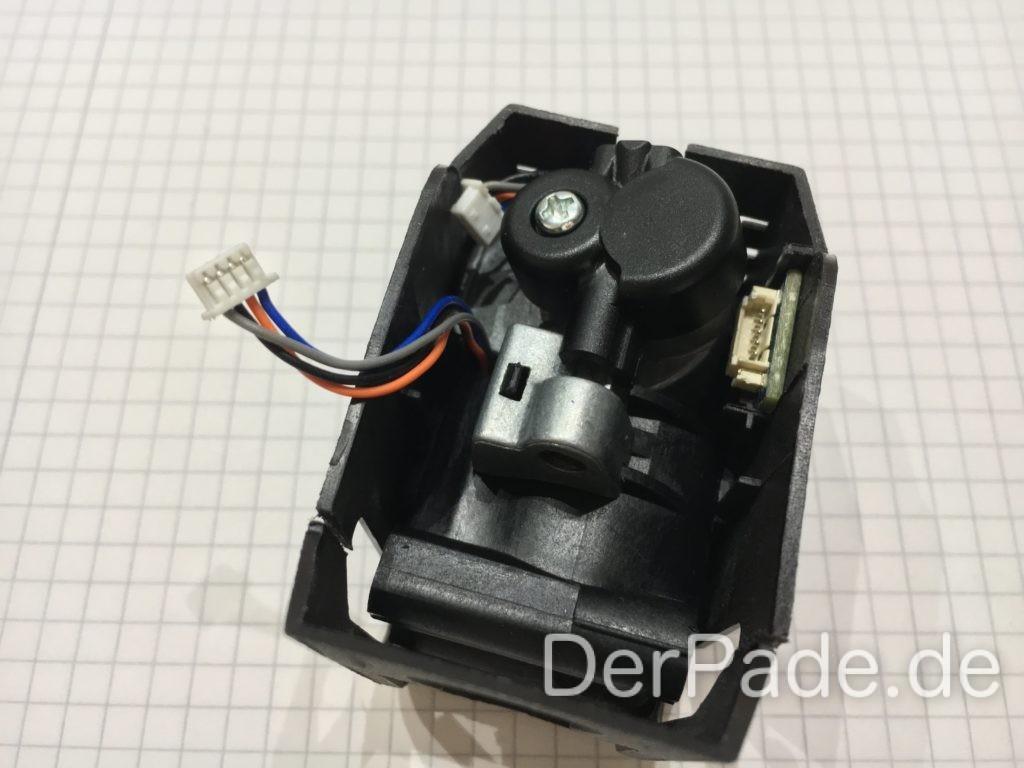 Extruder und Schrittmotor für X-Achse montiert.