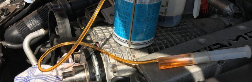 C32 AMG SLK32 AMG Kompressor Ölwechsel - Neues Öl