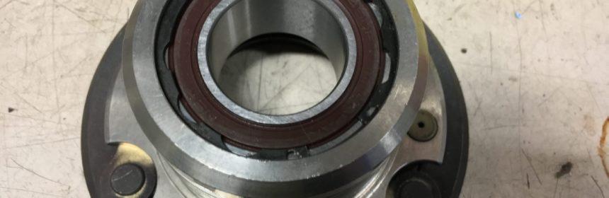 Kompressor Riemenscheibe Lager wechseln - Neues Lager eingesetzt