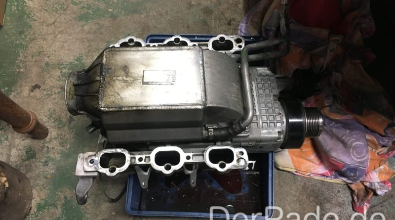 W203 C32 AMG Kompressor ausbauen - ausgebauter Kompressor
