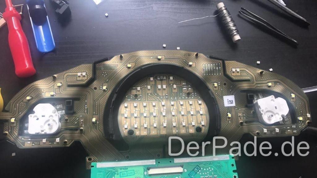 Anleitung W203 Kombiinstrument Tacho auf weiße LED Beleuchtung umbauen Teil 2 - Flexible Platine Kombiinstrument
